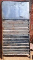 Vendo portão chapa Boa de ferro,  portão bom es resistente