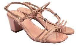 Sandália salto chique