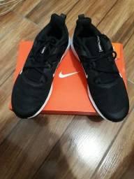 Nike[training] preto modelo novo
