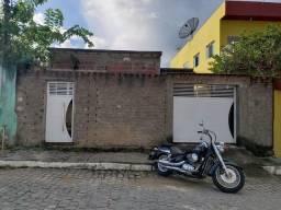 Título do anúncio: Vendo casa na rua principal da cohab em Catende -PE