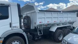 Caminhão caçamba 24250