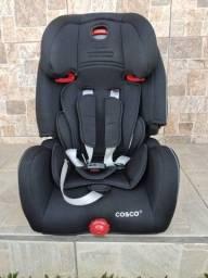 Cadeira infantil para veículo.