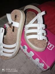 Sandália tamanho 34