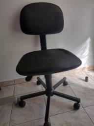 Cadeira Secretária Giratória<br>Preta