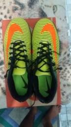 Vendo soçaite futsal Nike novinha contato 999982997