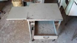 Mini escrivaninha de ferro com retrátil