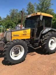 Trator 800 inero aseito camionete hailuks também está careta agricula 13.000 4x4