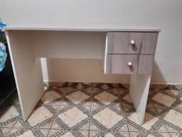 Mesa pra PC ou escrivaninha