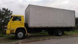 Caminhão bau de 6,7 e 8 MTS Frete e Mudanças