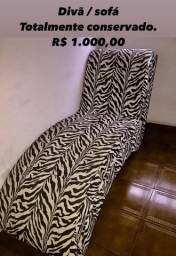 Divã / sofá totalmente conservado