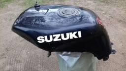 Tanque da Suzuki GSXR 1100 e 750