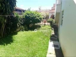 Casa com 3 quartos para alugar, 130 m² por R$ 2.400/mês - Santa Helena - Juiz de Fora/MG