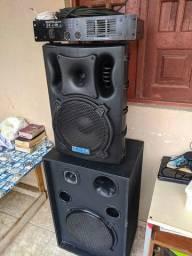 """Caixas de som com fone de 15"""" + amplificador Cygnus 1Ab"""