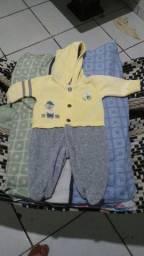 Bazar de roupas e calçados  pra bebe (menino)