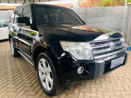 Pajero Full 3.8V6 AT HPE 7 lugares 2011