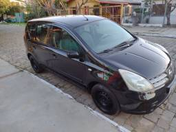 Nissan Livina,carro para família,completo R$ 21.000,00