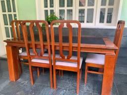 Mesa com centro de vidro + 6 cadeiras Mogno