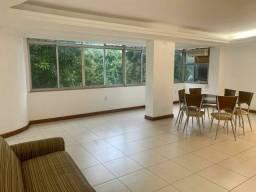 Alugo  amplo e confortável apartamento