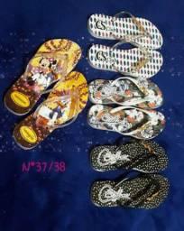 Sandálias personalizadas masculinas e feminina