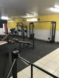 Vendo ou troco academia completa em funcionamento em Arrozal/Pirai