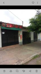 Vende uma casa em Barra do Corda, bairro Altamira.  Próximo à  Rodoviária.