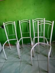 Vendo cadeiras de ferro pra reformar
