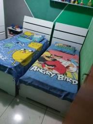 Vendo 2 camas de solteiro