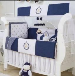 Kit berço e cortina azul marinho
