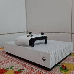 Xbox one S all digital 1 TB 4k vários jogos de brinde