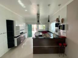 Alugo Casa com 300m2, 4 suites com ar condicionados, (Cond. Forest Hill)