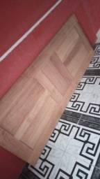 Porta madeira macissa valor 450 Reais nunca usada