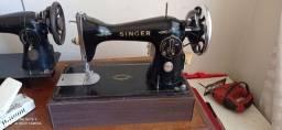 Máquina de costura Singer 15 c