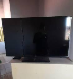 TV AOC semi nova. Vendo por 600,00 reais, o preço pode ser negociável.