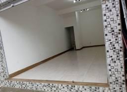 Aluga-se salão comercial no Parque das Américas próximo a Av. Itibirê da Cunha
