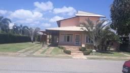 Casa de condomínio para venda possui 360 metros quadrados com 5 quartos em Cararu - Eusébi