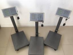Balanças modelos digital em plataforma;