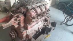 Motor MWM 8 cilindros