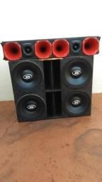 Vendo 4 falantes Oz de 400 rms cada um falantes bate bem !