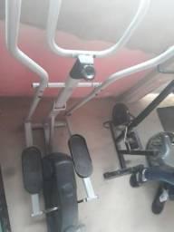 Máquina de fazer academia