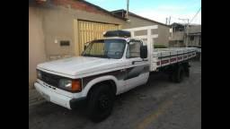 Caminhão D-40, ano 93 - 1993