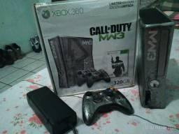Vendo xbox 360 call of duty serie limitada camuflado estado de novo mais dous jogos