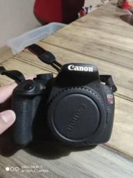Canon t5 + lente 18-55mm + cartao 32gb classe 10