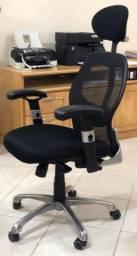 Cadeira Presidente para escritório em ótima condição