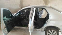 Vendo esse carro prisma - 2010