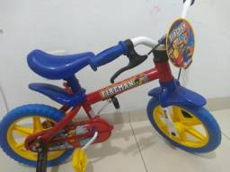 Bike infantil semi nova