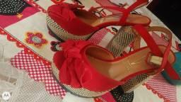 Vendo 3 sandálias barato