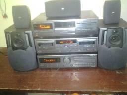 Vendo conjunto jvc   com 7 cd  ok  o dek  ok o receiver  precisa arrumar a saída de som