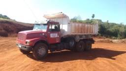 Vende-se caminhão caçamba