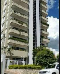 Apartamento de 211 m2 no centro