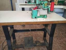Máquina de costura Overlock  semi industrial Chinesa Butterfly